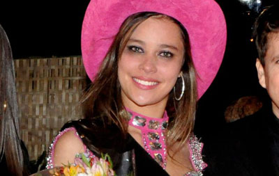 estudante Larissa Souza foi eleita no último sábado (19) a Rainha ...